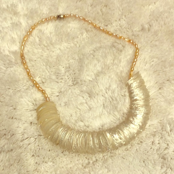 Vintage Jewelry - Vintage pearl and she'll necklace